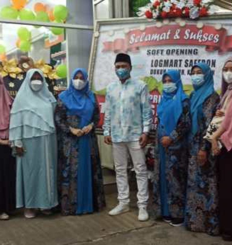 Logmart Safron Dukuh Waluh, Semangat Ekonomi Kaum Emak-Emak